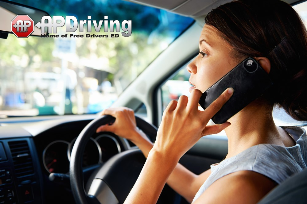 Mobile-Phone-driving-pic